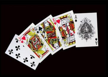 Комбинация стрит в покере: все варианты с тузом и до пятерки