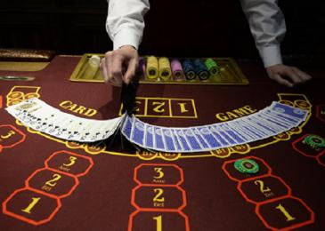 Онлайн покер в казино на реальные деньги и бесплатно
