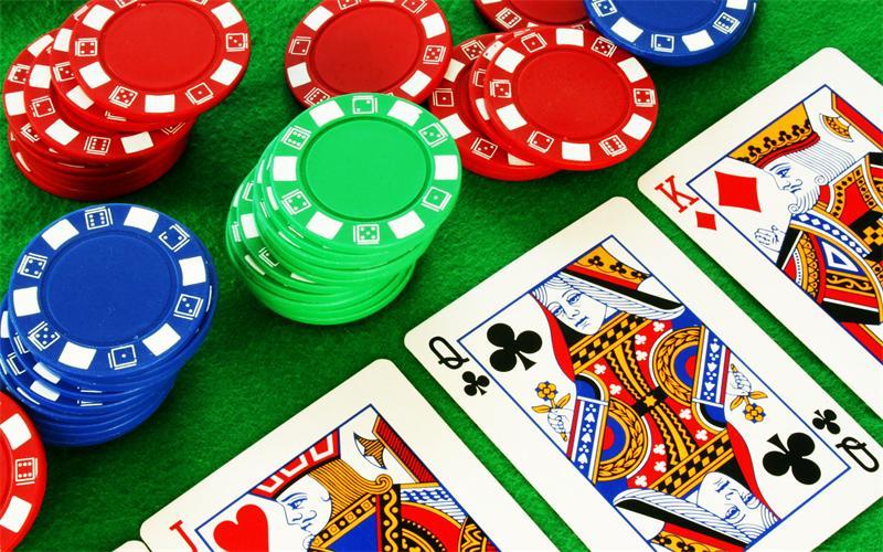 nabor-fishek-dlya-pokera