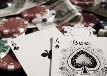 Чем хороша и чем плоха тайтовая игра в покере