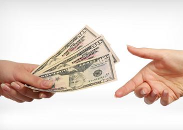 Можно ли играть в покер без вложений и выводить деньги