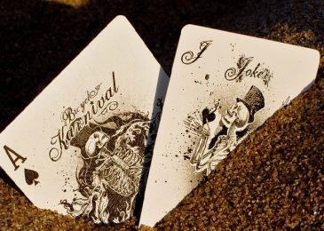 Правила игры в покер с Джокером — особенности комбинаций и их старшинства