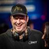 Poker After Dark проведет шоу «Праздники с Хельмутом»