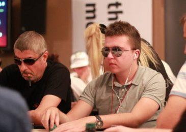 Украинец Валентин Шабельник выиграл золотое кольцо на онлайн-серии WSOP Online Super Circuit