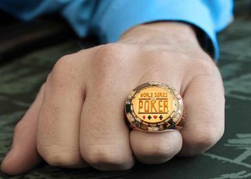 В онлайн-турнире на серии WSOP Circuit будет разыгран первый перстень