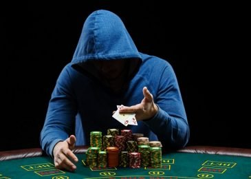 Телсы в покере – как прочитать  соперника онлайн по его поведению