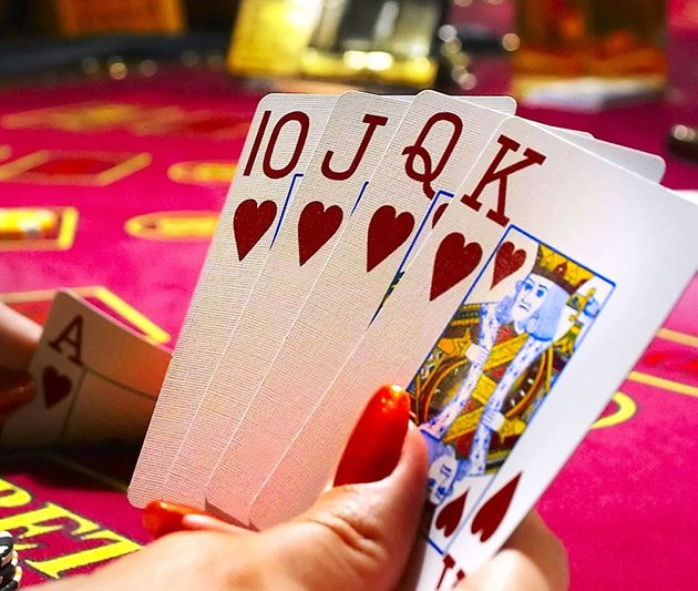 Покер холдем онлайн смотреть бесплатно покер 100 столов онлайн бесплатно