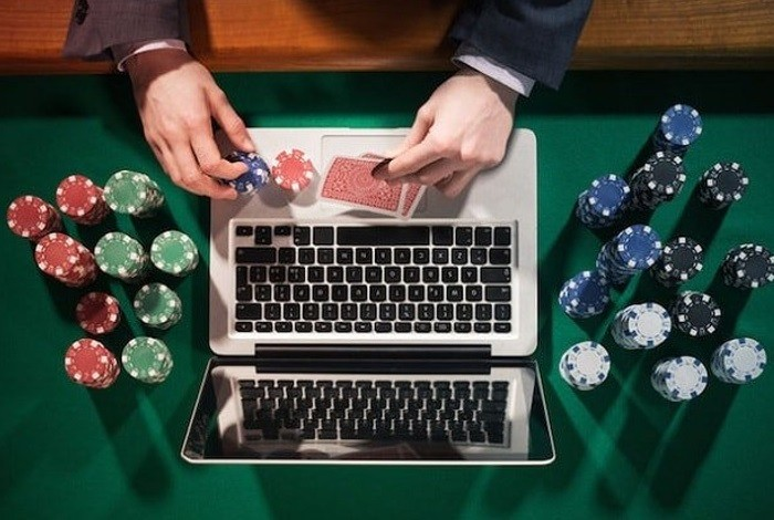 стоит ли играть в онлайн покер